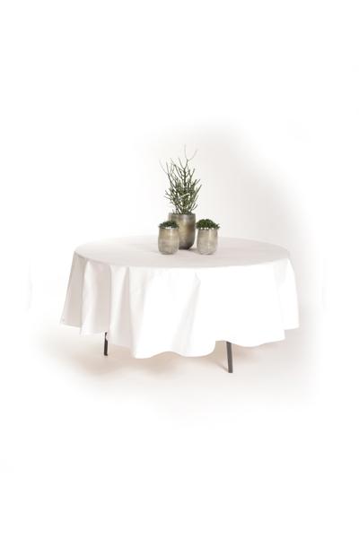 Runder Tisch mit Decke